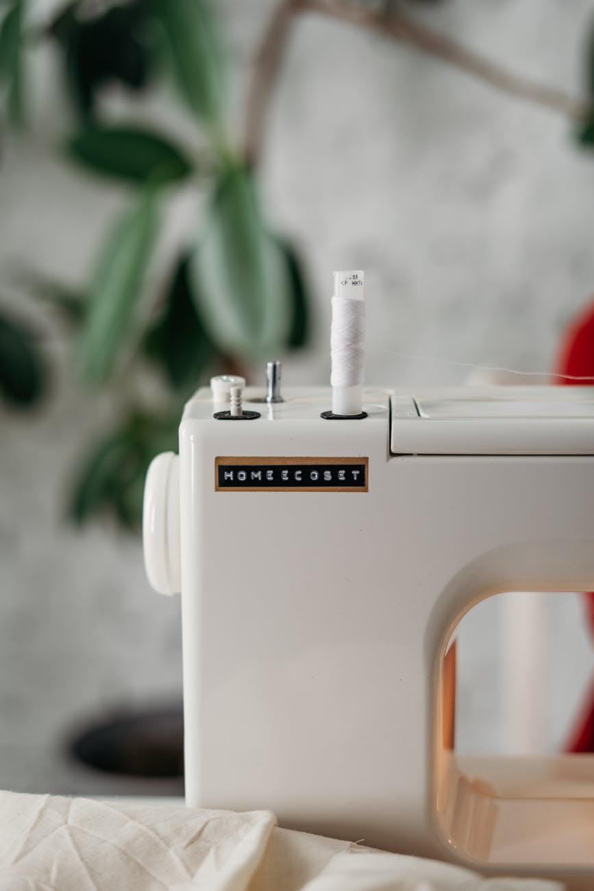 close up photo of sewing machine